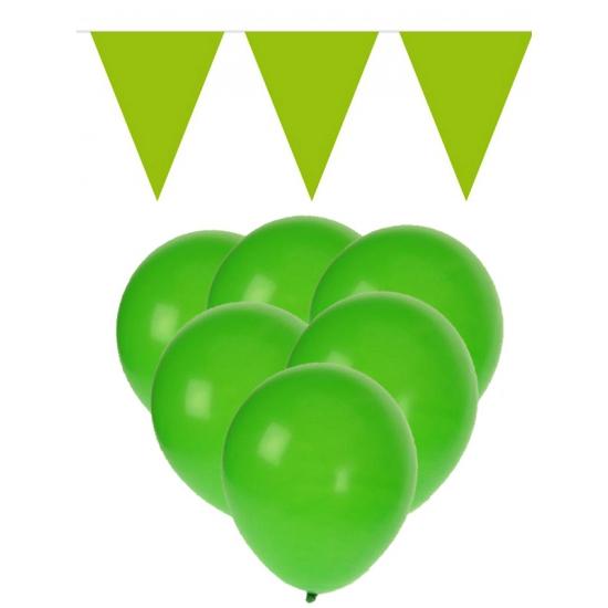 15 groene ballonnen met 2 groene vlaggenlijnen